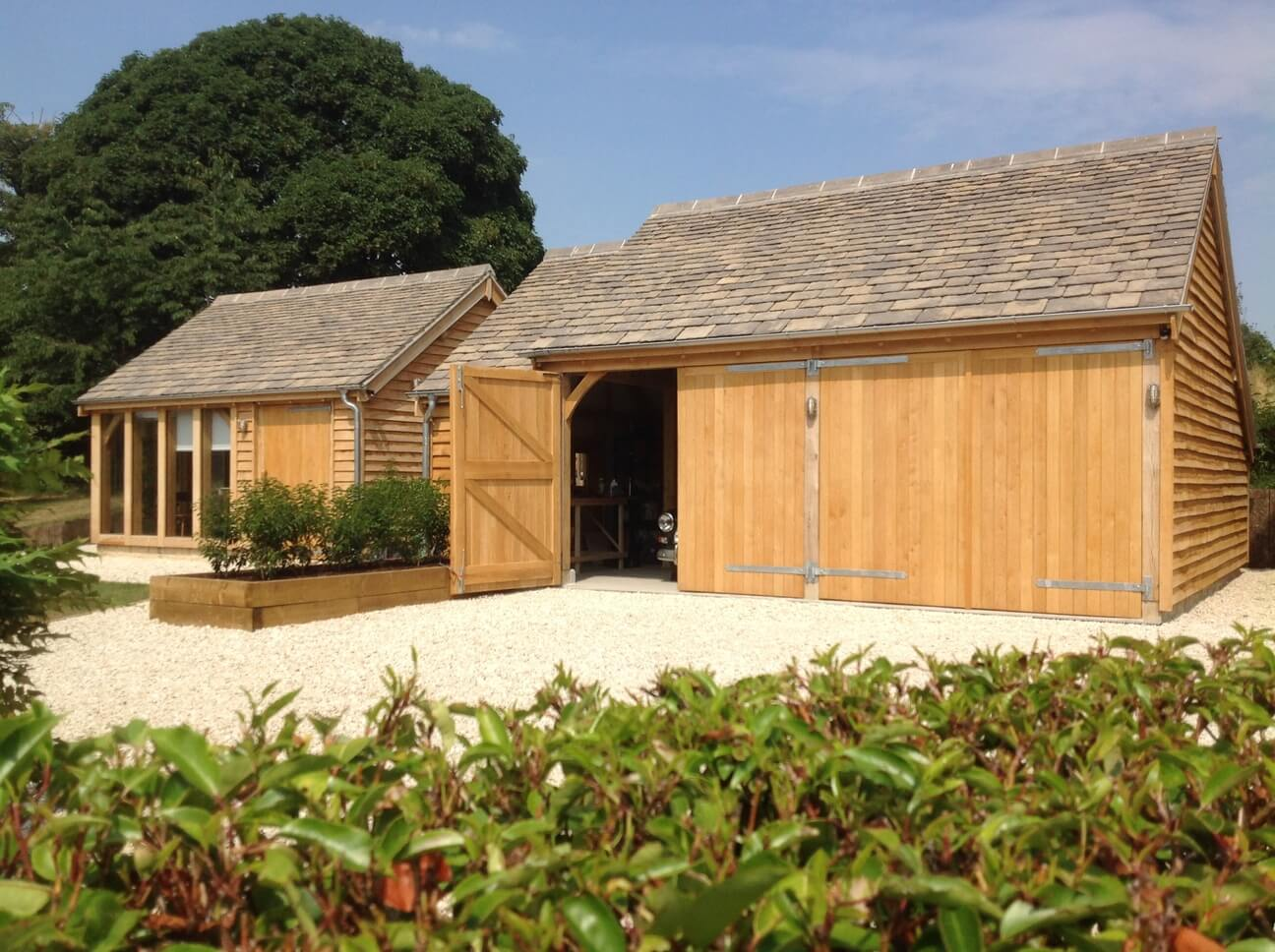 Detached Oak Double Garage Workshop Studio in the Cotswolds 1