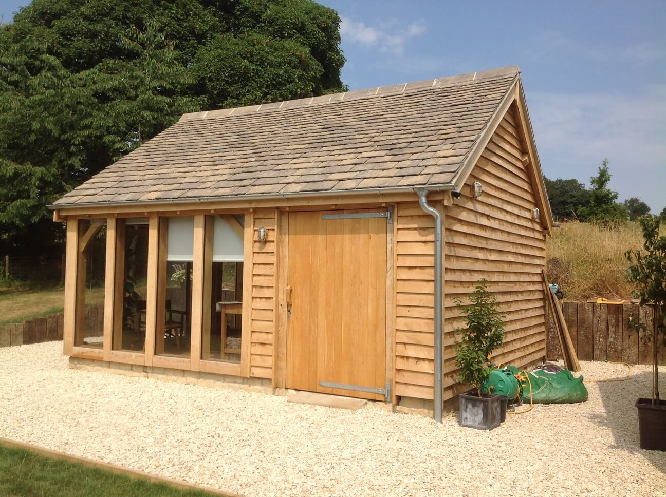 Detached Oak Double Garage Workshop Studio in the Cotswolds 2