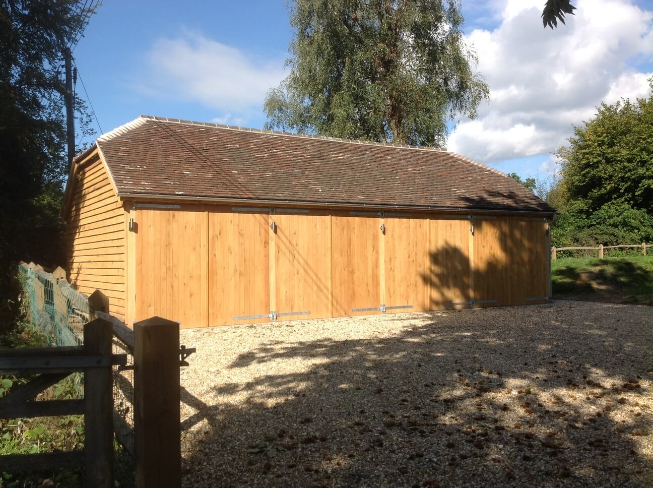 Large 4 bay Oak Garage in Surrey 1