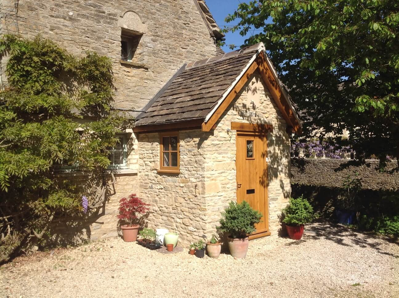 Stone and Oak Porch in the Cotswolds 2