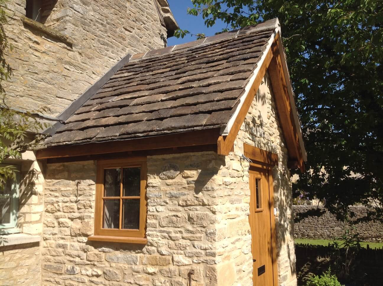 Stone and Oak Porch in the Cotswolds 4